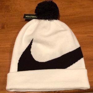 Nike adult unisex knit cap (white/black)